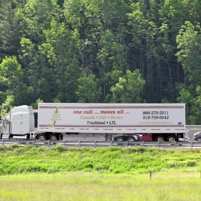 expedited trucking services Ontario